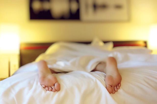 Comment choisir le bon oreiller anti ronflement ?