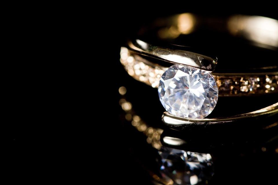 Quels sont les critères pour choisir des bagues en diamants ?